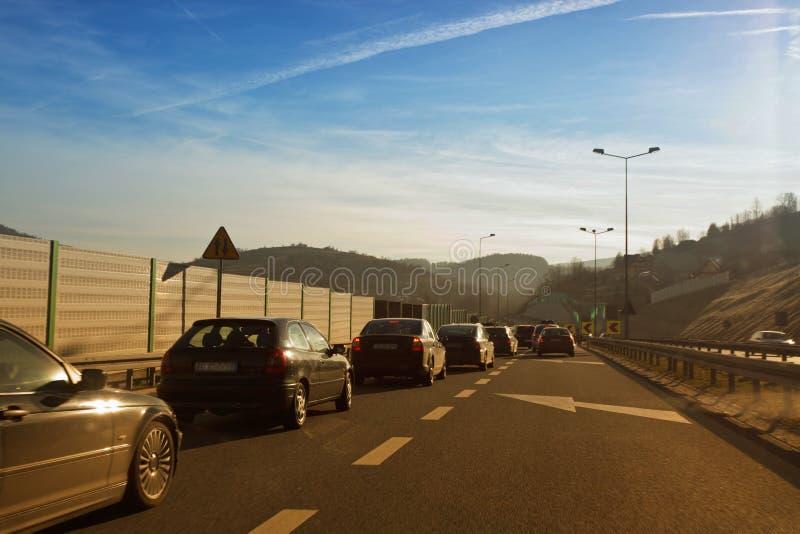 Οδήγηση αυτοκινήτων γρήγορα στη εθνική οδό στοκ φωτογραφία με δικαίωμα ελεύθερης χρήσης