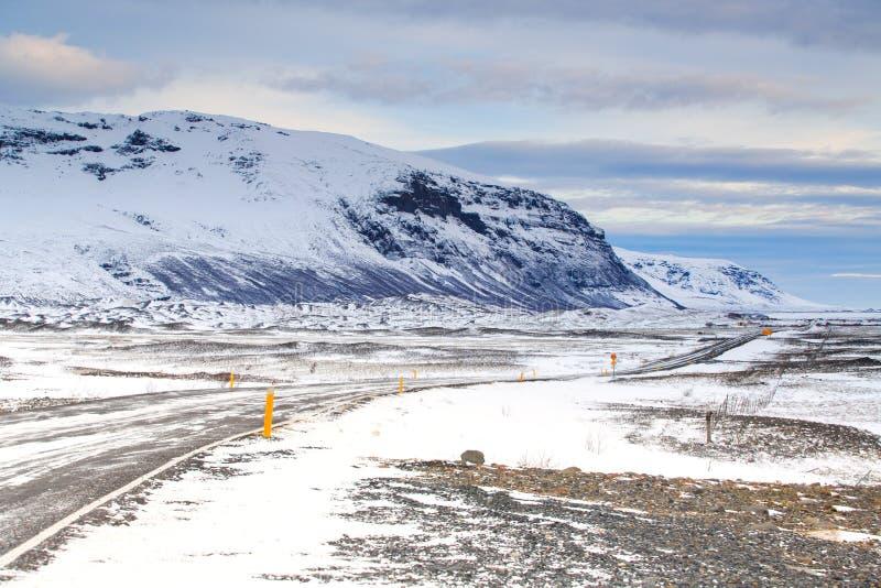 Οδήγηση στο δρόμο της Ισλανδίας στο εθνικό πάρκο Vatnajokull jokulsarlon στοκ φωτογραφίες