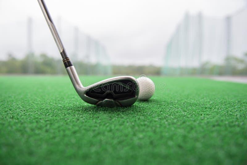 οδηγώντας σειρά γκολφ στοκ φωτογραφία με δικαίωμα ελεύθερης χρήσης