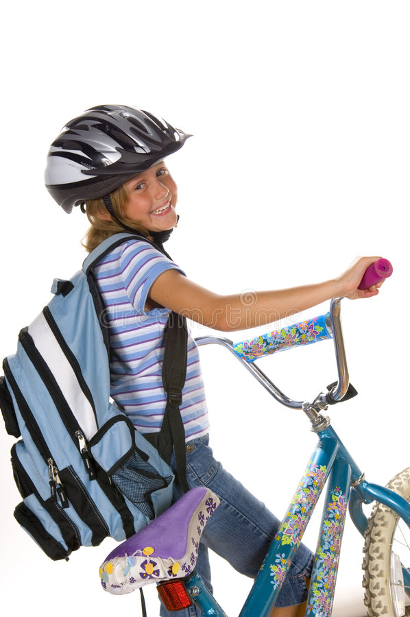 οδηγώντας σχολείο κοριτσιών ποδηλάτων στοκ φωτογραφία με δικαίωμα ελεύθερης χρήσης
