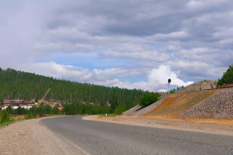 Οδικές στροφές βουνών σωστές στοκ εικόνες