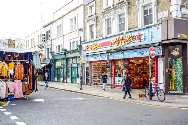 Οδική αγορά Portobello, μια διάσημη οδός στο Νότινγκ Χιλ, Λονδίνο, Αγγλία, Ηνωμένο Βασίλειο στοκ φωτογραφία με δικαίωμα ελεύθερης χρήσης
