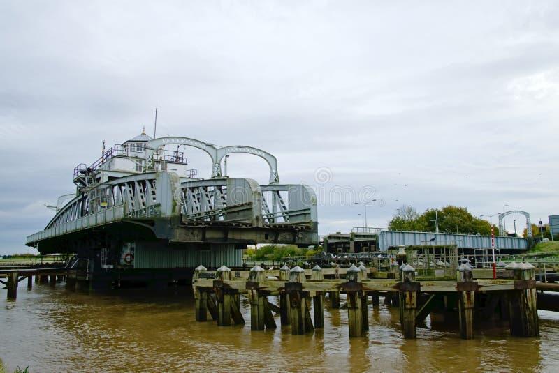 Οδική γέφυρα ταλάντευσης στοκ εικόνα με δικαίωμα ελεύθερης χρήσης