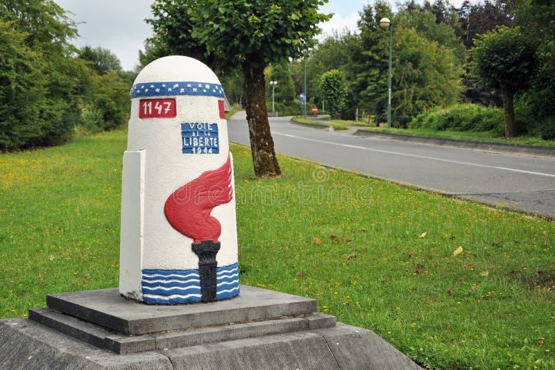 οδική πέτρα δεικτών ελευθερίας στοκ εικόνα με δικαίωμα ελεύθερης χρήσης