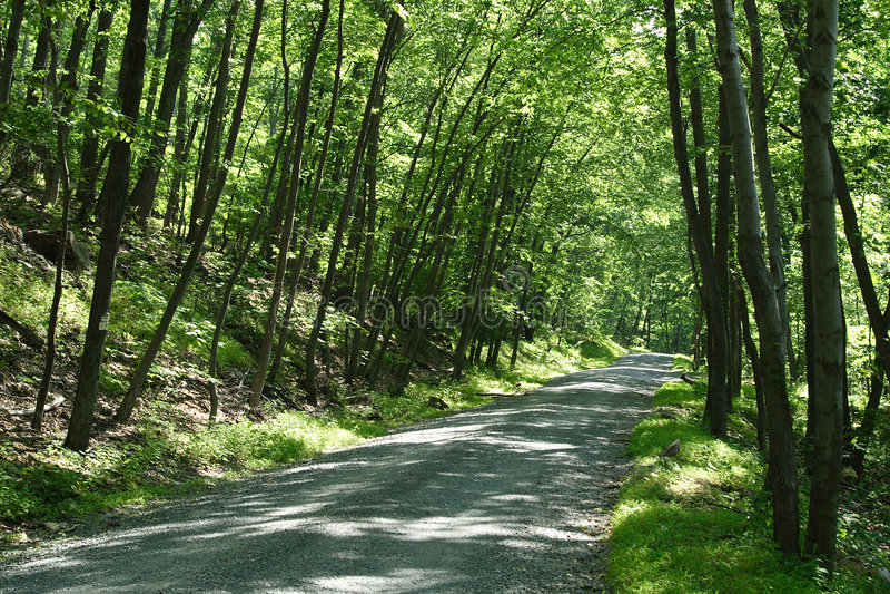 οδική σκιά βουνών στοκ εικόνες με δικαίωμα ελεύθερης χρήσης