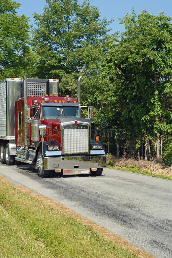 οδικό αγροτικό ημι truck στοκ εικόνες