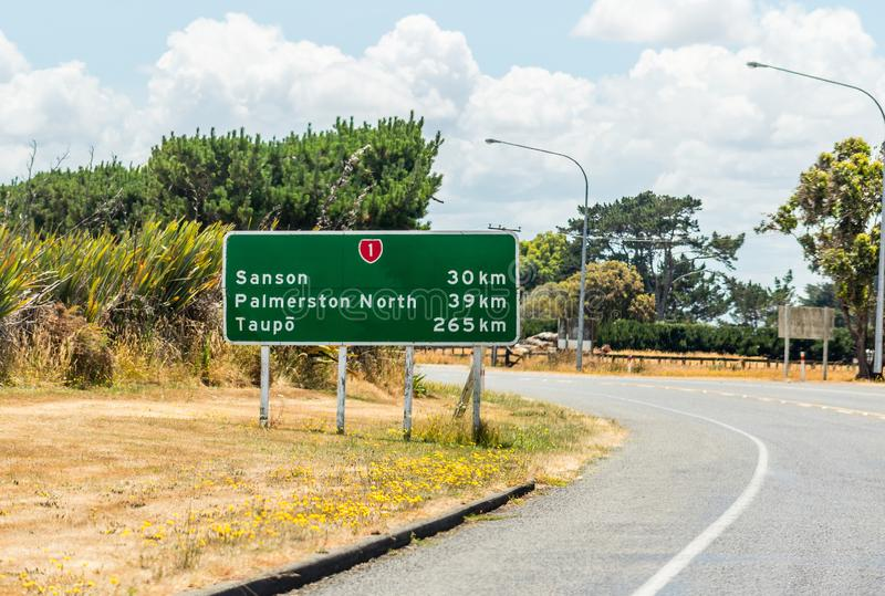 Οδικό σημάδι στην κρατική εθνική οδό ένα ακριβώς έξω από Foxton στον τρόπο σε Taupo στοκ φωτογραφία