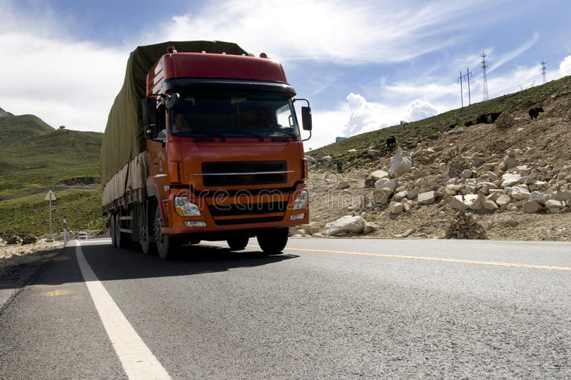 οδικό truck βουνών στοκ φωτογραφία με δικαίωμα ελεύθερης χρήσης