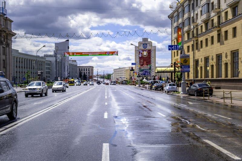 Οδοί που διακοσμούνται για την ερχόμενη ημέρα της ανεξαρτησίας στοκ φωτογραφία