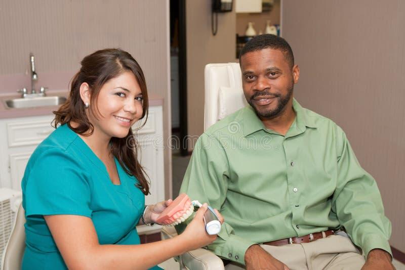 οδοντικός υγιεινολόγ&omicro στοκ φωτογραφία