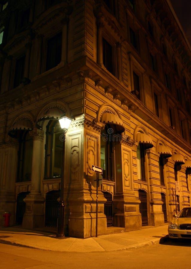 Download οδός γωνιών στοκ εικόνα. εικόνα από παλαιός, σκοτεινός - 392569