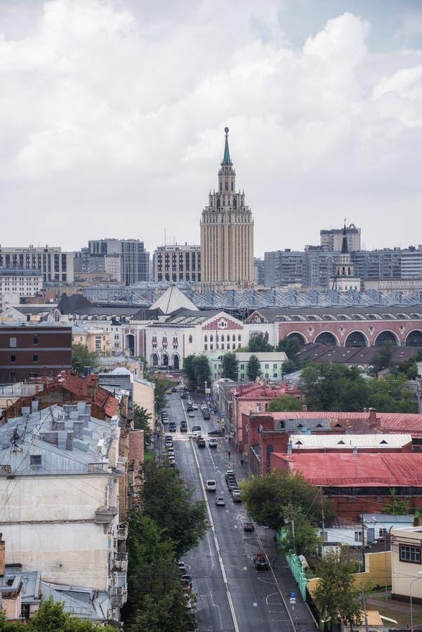 Οδός και ξενοδοχείο Hilton Μόσχα Leningradskaya Novoryazanskaya στοκ φωτογραφίες με δικαίωμα ελεύθερης χρήσης