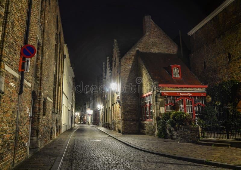 Οδός νύχτας της Μπρυζ, Βέλγιο στοκ εικόνα με δικαίωμα ελεύθερης χρήσης