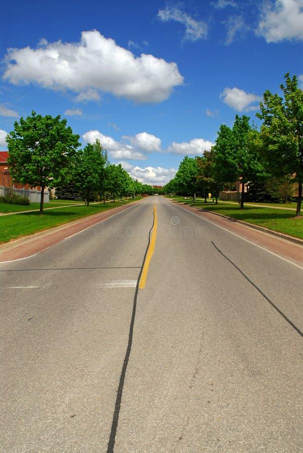 οδός προαστιακή στοκ εικόνες