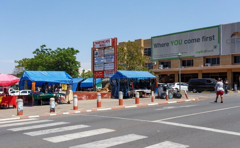 Οδός στην πόλη του Francis, Μποτσουάνα στοκ εικόνες