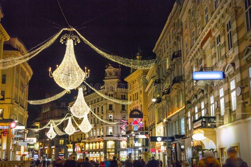 Οδός τή νύχτα στη Βιέννη στοκ εικόνα με δικαίωμα ελεύθερης χρήσης