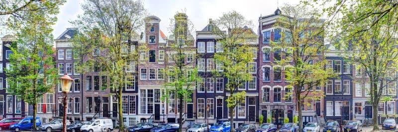 Οδός του Άμστερνταμ πανοράματος το φθινόπωρο στοκ εικόνες