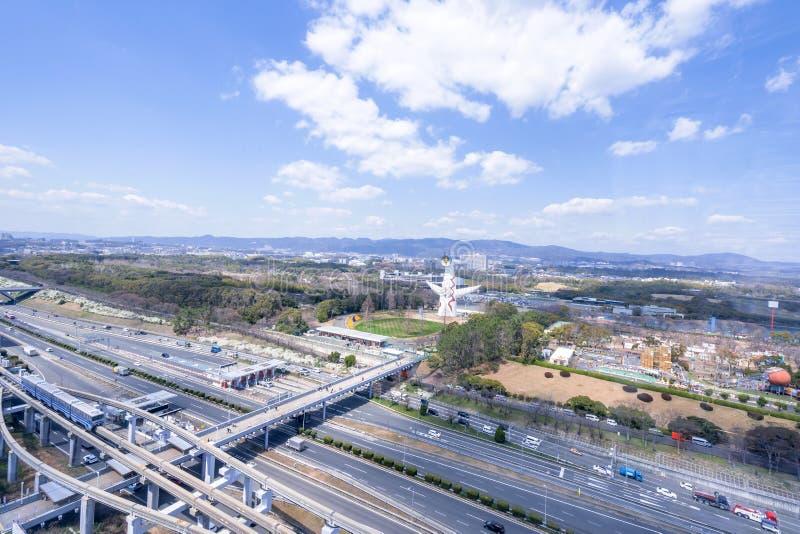 """Οζάκα, Ιαπωνία - Μάρτιος 26, 2019: Η εναέρια άποψη του πύργου του ήλιου, Taiyo αριθ., EXPO """"70 στον εορτασμό Suita EXPO σταθμεύει στοκ εικόνα με δικαίωμα ελεύθερης χρήσης"""