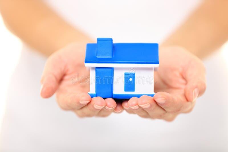 'Οικία' - έννοια καινούργιων σπιτιών στοκ φωτογραφία