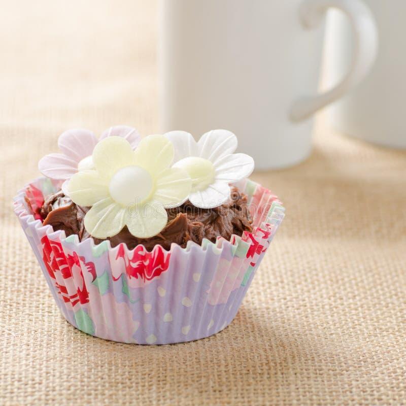 'Οικία' που γίνεται cupcake στοκ εικόνες
