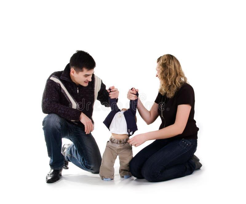 Download οικογένεια ευτυχής στοκ εικόνα. εικόνα από μοιχαλίδα - 13184945