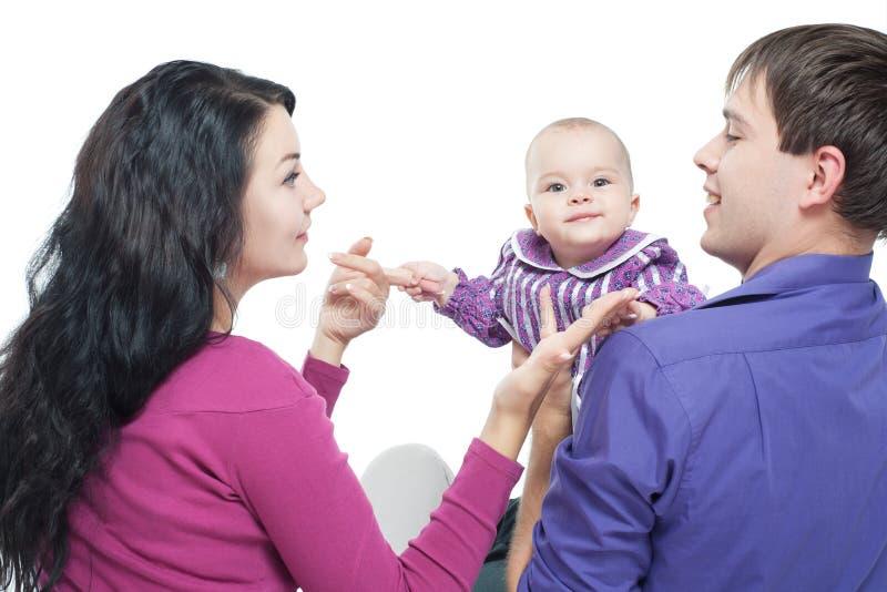 Οικογένεια με ένα μωρό στοκ φωτογραφία με δικαίωμα ελεύθερης χρήσης