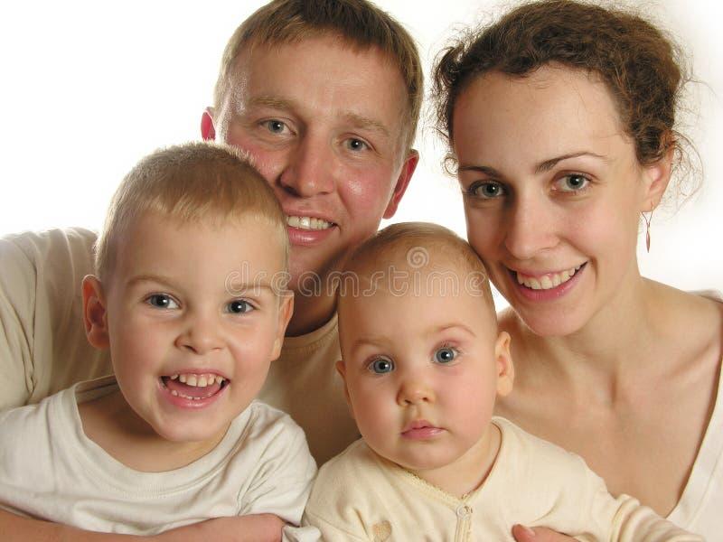 οικογένεια τέσσερα προ&sig στοκ εικόνες