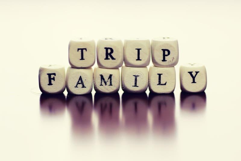 Οικογένεια ταξιδιού κύβων κειμένων στοκ εικόνες με δικαίωμα ελεύθερης χρήσης