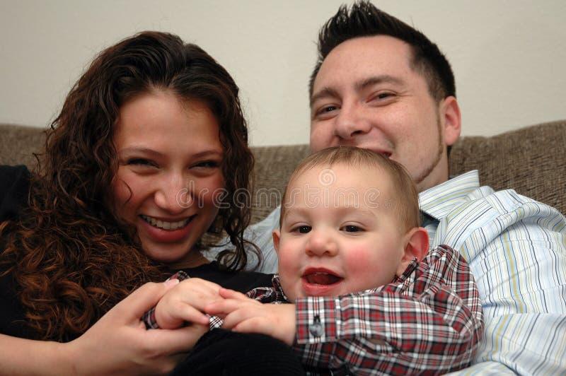 Download οικογένεια στοκ εικόνες. εικόνα από άτομο, παιδί, αρσενικό - 392694