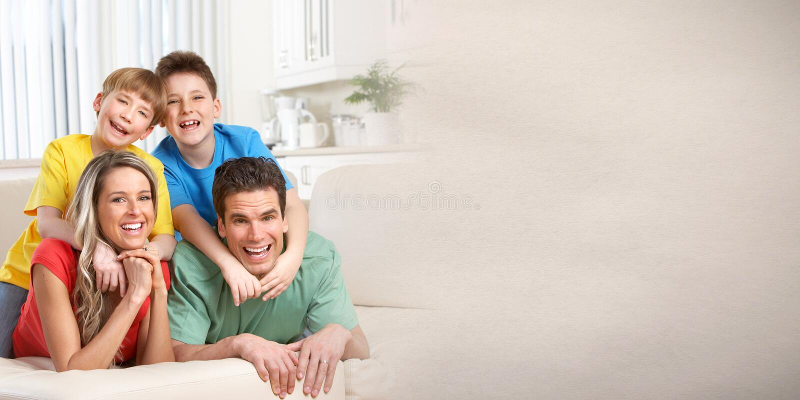 οικογενειακά ευτυχή κ&a στοκ φωτογραφίες με δικαίωμα ελεύθερης χρήσης