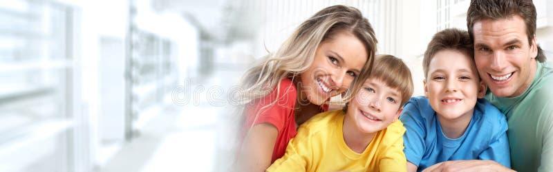 οικογενειακά ευτυχή κ&a στοκ εικόνες με δικαίωμα ελεύθερης χρήσης