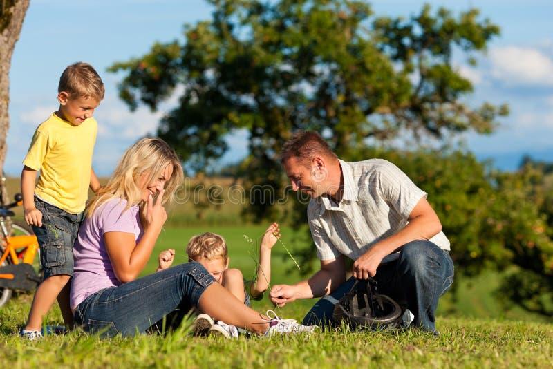 οικογενειακή φυγή ποδη στοκ φωτογραφίες με δικαίωμα ελεύθερης χρήσης