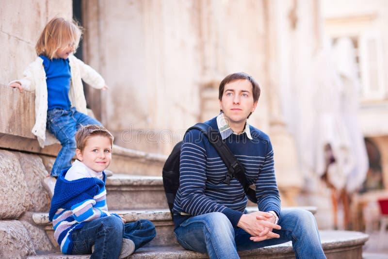 οικογενειακοί χαλαρών&o στοκ φωτογραφία με δικαίωμα ελεύθερης χρήσης