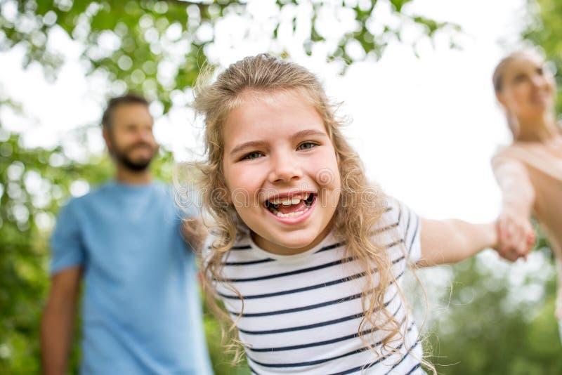 οικογενειακό κορίτσι &epsilo στοκ εικόνες με δικαίωμα ελεύθερης χρήσης