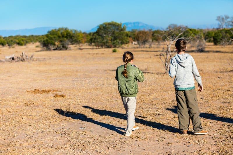Οικογενειακό σαφάρι στην Αφρική στοκ εικόνες