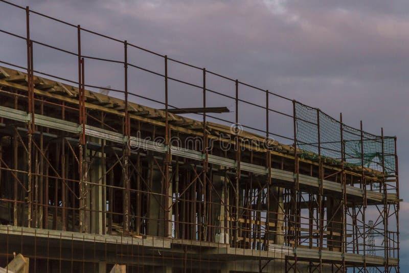 Οικοδόμηση κάτω από την κατασκευή στοκ εικόνα με δικαίωμα ελεύθερης χρήσης