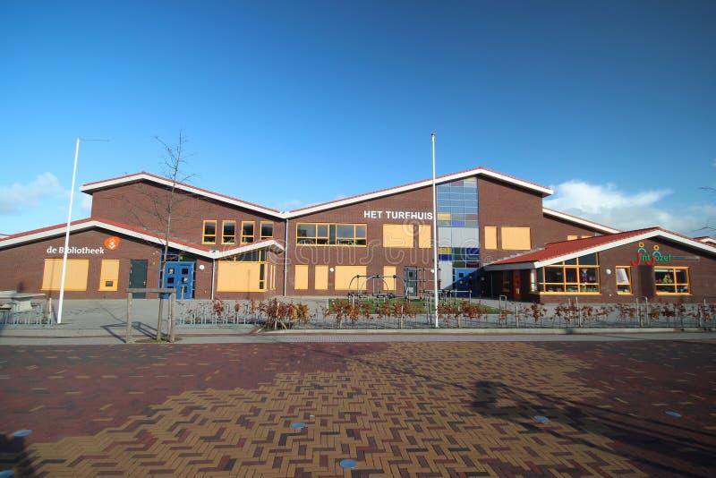 Οικοδόμηση με διάφορα σχολεία και τη βιβλιοθήκη σε Moordrecht στοκ φωτογραφίες με δικαίωμα ελεύθερης χρήσης