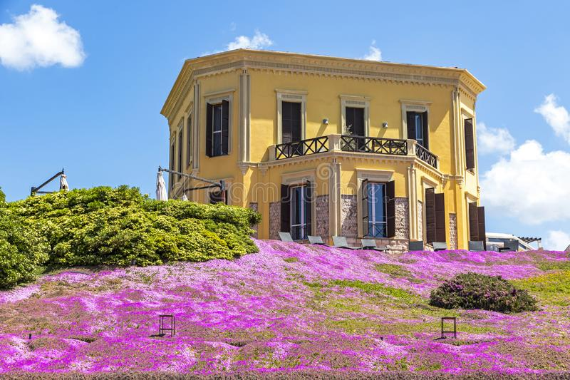 Οικοδόμηση της βίλας Mosca στην παλαιά πόλη Alghero, Σαρδηνία, Ιταλία στοκ φωτογραφία με δικαίωμα ελεύθερης χρήσης