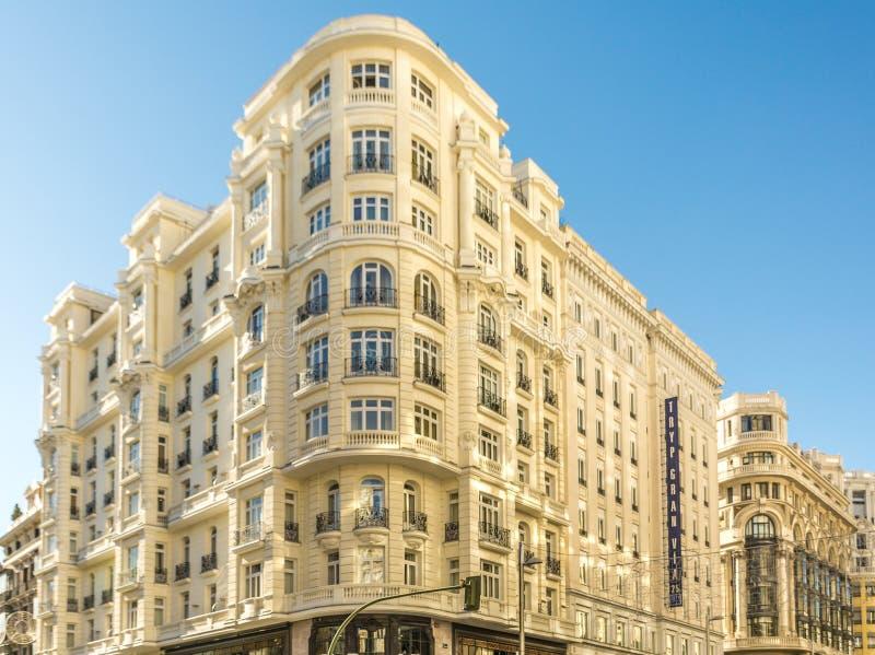 Οικοδόμηση του Gran μέσω της γωνίας de Μαδρίτη με την οδό Montera στοκ εικόνες με δικαίωμα ελεύθερης χρήσης