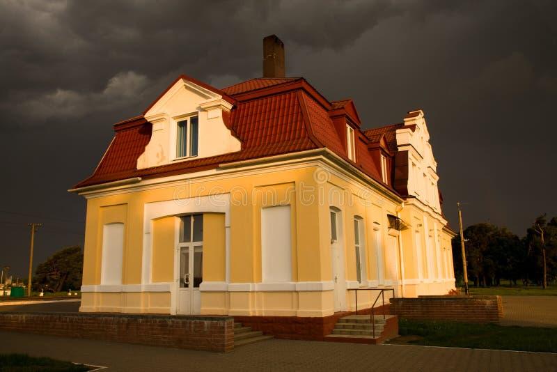 Οικοδόμηση (thunder-storm) στοκ φωτογραφίες με δικαίωμα ελεύθερης χρήσης