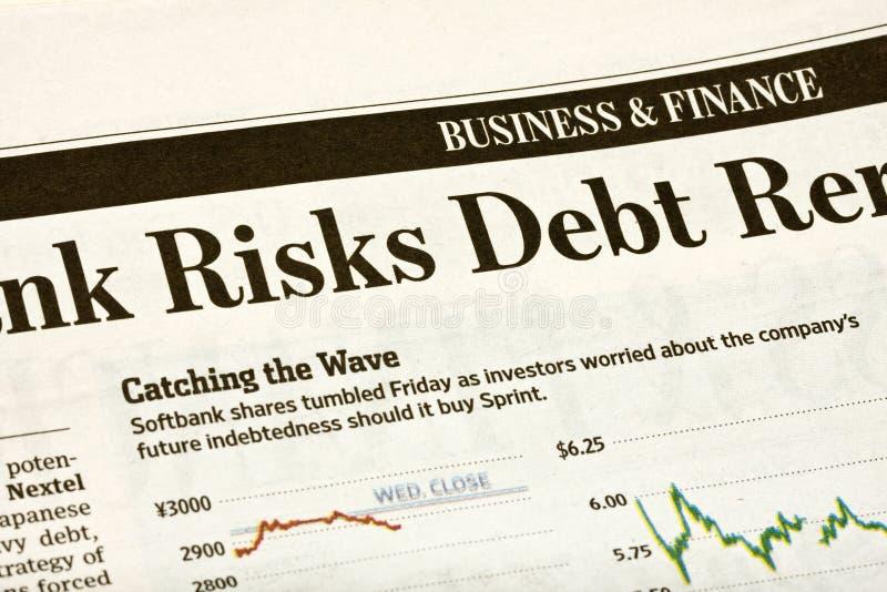 Οικονομικός τίτλος στην εφημερίδα στοκ εικόνα