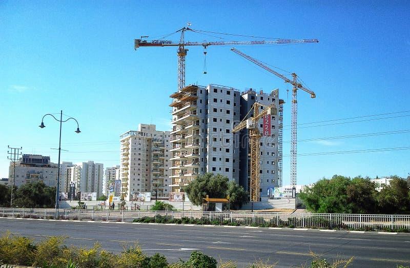 Οικοδόμηση της κατοικίας 19 ορόφων στοκ εικόνα με δικαίωμα ελεύθερης χρήσης