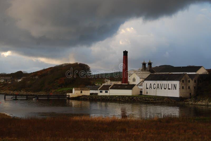 Οινοπνευματοποιία Lagavulin, Islay, Σκωτία στοκ φωτογραφία με δικαίωμα ελεύθερης χρήσης