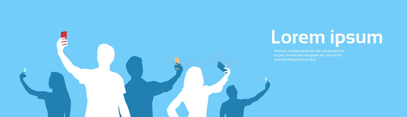 Οι άνθρωποι ομαδοποιούν τη σκιαγραφία που παίρνει τη φωτογραφία Selfie στο έξυπνο διάστημα αντιγράφων τηλεφωνικών εμβλημάτων κυττ διανυσματική απεικόνιση