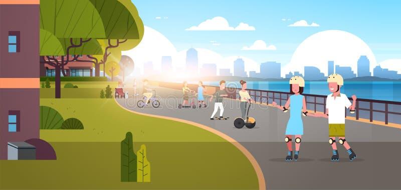 Οι άνθρωποι που οδηγούν τα κύλινδρος-σαλάχια ποδηλάτων κάνουν σκέιτ μπορντ στις σύγχρονες πόλεων ενεργές διακοπές υποβάθρου ουραν απεικόνιση αποθεμάτων