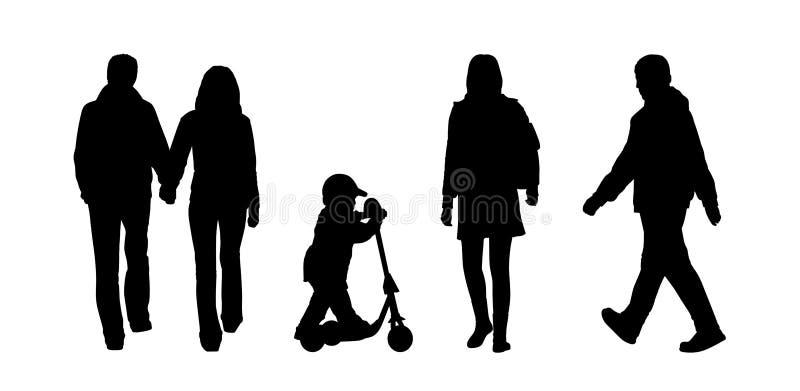 Οι άνθρωποι που περπατούν τις υπαίθριες σκιαγραφίες θέτουν 5 ελεύθερη απεικόνιση δικαιώματος