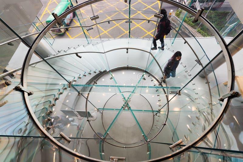 Οι άνθρωποι στη ναυαρχίδα Apple αποθηκεύουν το Χονγκ Κονγκ στοκ εικόνα