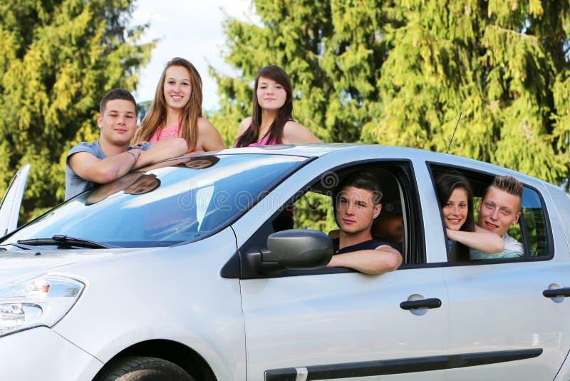 Οι έφηβοι οδηγούν στοκ φωτογραφία με δικαίωμα ελεύθερης χρήσης