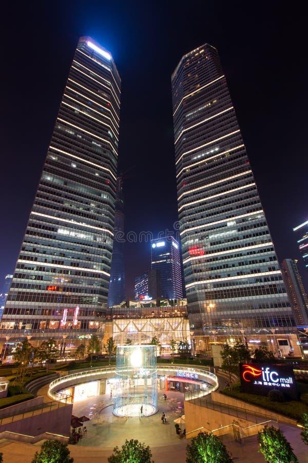 Οι δίδυμοι πύργοι στοκ εικόνα
