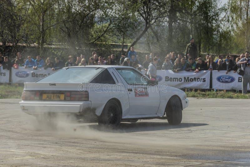 Οι ακροβατικές επιδείξεις αυτοκινήτων, παρουσιάζουν σε MTS Szczecin στοκ φωτογραφίες